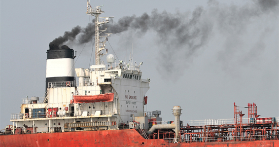 Shipping emissions and renewable energy in ports